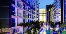 Tận hưởng kỳ nghỉ tuyệt với tại Centara Azure Hotel,...