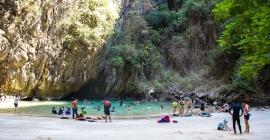 Vẻ đẹp mê hồn của 13 hang động tại Thái...