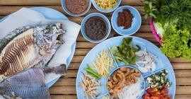 Cá nướng muối - món ăn hấp dẫn của Thái...