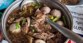 """""""Ngây ngất"""" với món lẩu bò tại Thái Lan..."""