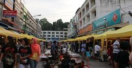 Trải nghiệm ở khu chợ đêm cuối tuần Krabi, Thái...
